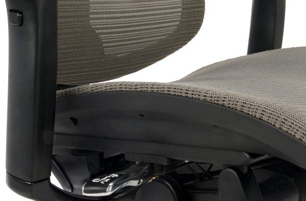 Nowoczesny fotel do komputera Ioo BS KMD30 - siedzisko siatkowe